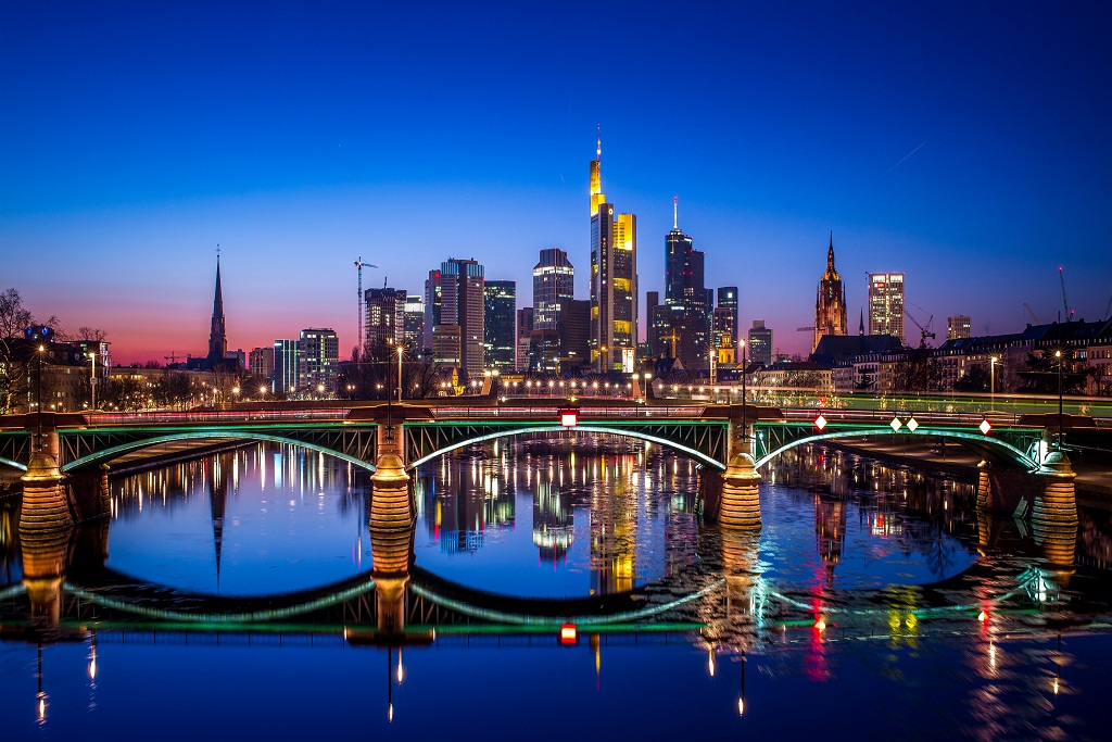 frankfurt_germany_5k-5120x2880